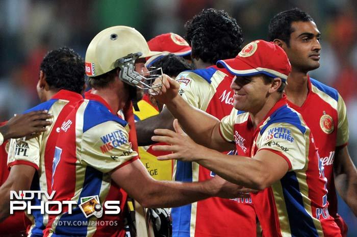 AB de Villiers plundered 47 runs off 17 balls to script a stunning win for Bangalore against Deccan. (AFP PHOTO/Manjunath KIRAN)