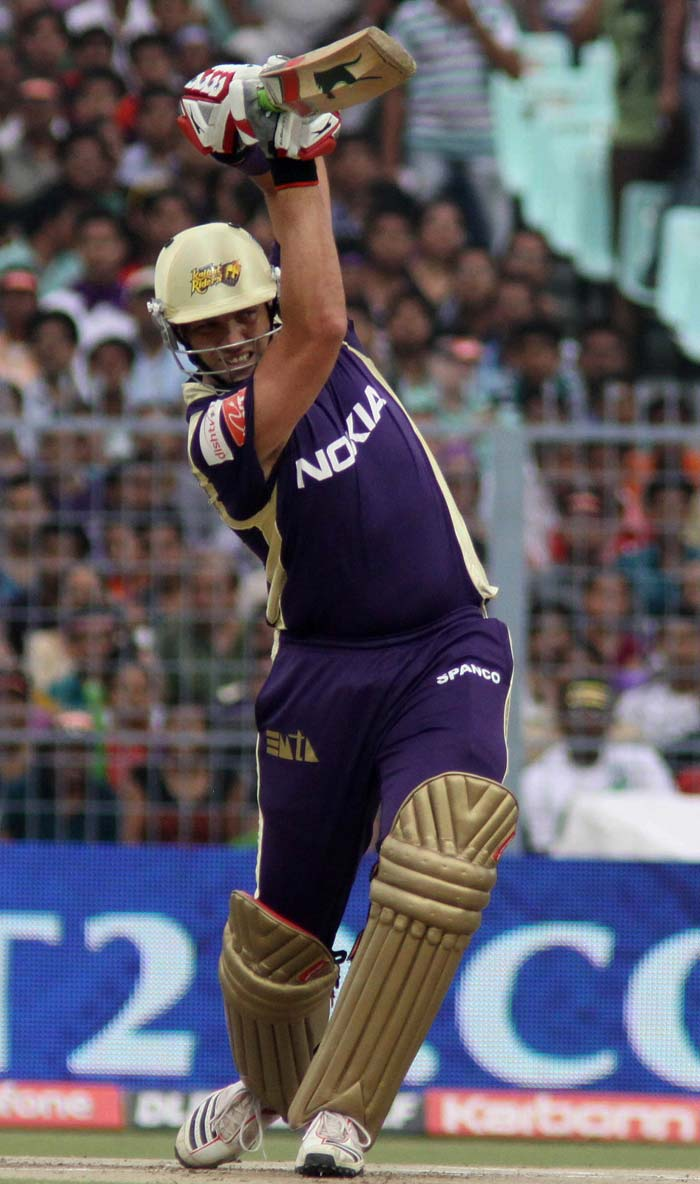 While Brad Haddin (in pic) hit two boundaries and a six, Kallis was responsible for four glorious shots to the fence.