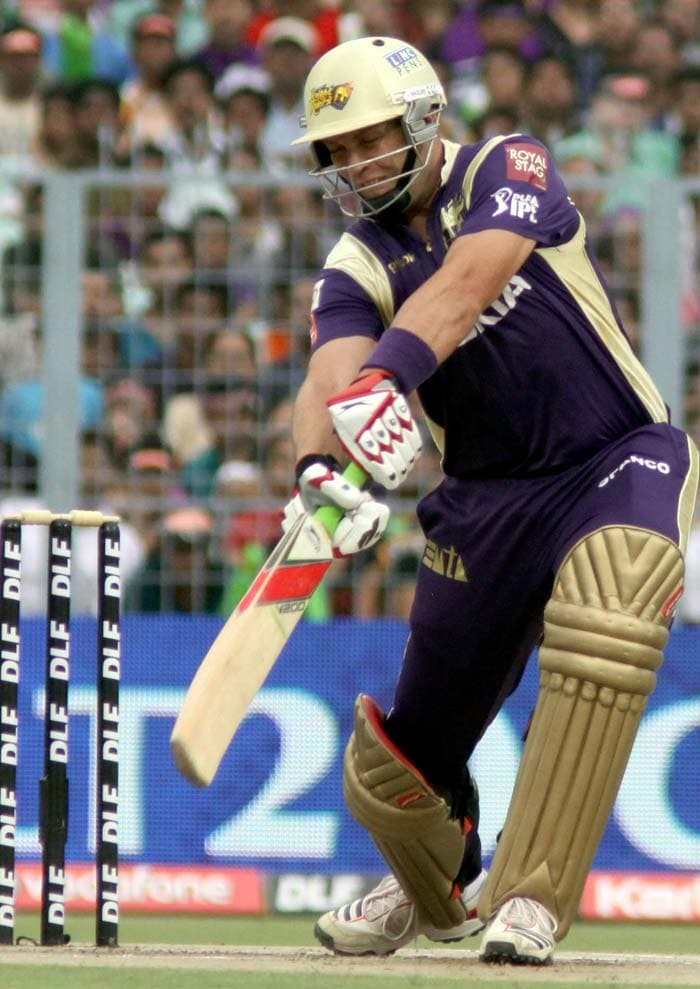 The start for the opposition was firm though when Jacques Kallis (in pic) and Brad Haddin began on a steady note for the Knight Riders after being put in to bat.