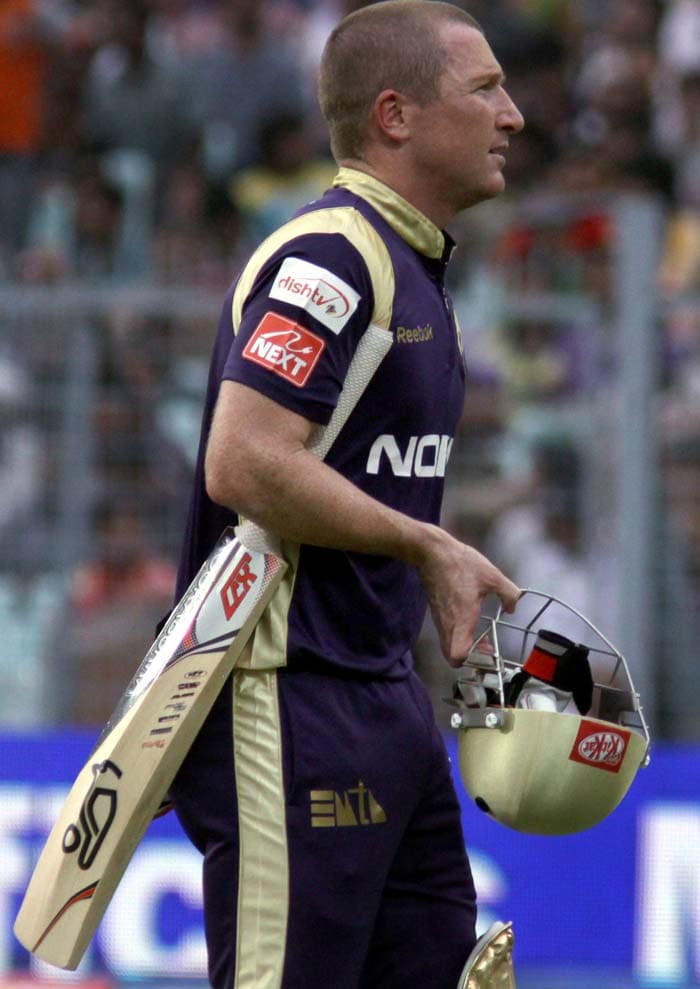 Haddin though became the first victim for the visitors when a young Syed Mohammad made him find Virat Kohli in the fifth over.