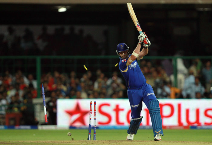 A dramatic batting collapse triggered by Vinay Kumar and RP Singh saw Rajasthan Royals dip from 90/3 to end their innings on 117. Rahul Dravid and Stuart Binny were the only batsmen to conjure up decent scores of 35 and 33 respectively. (BCCI Image)