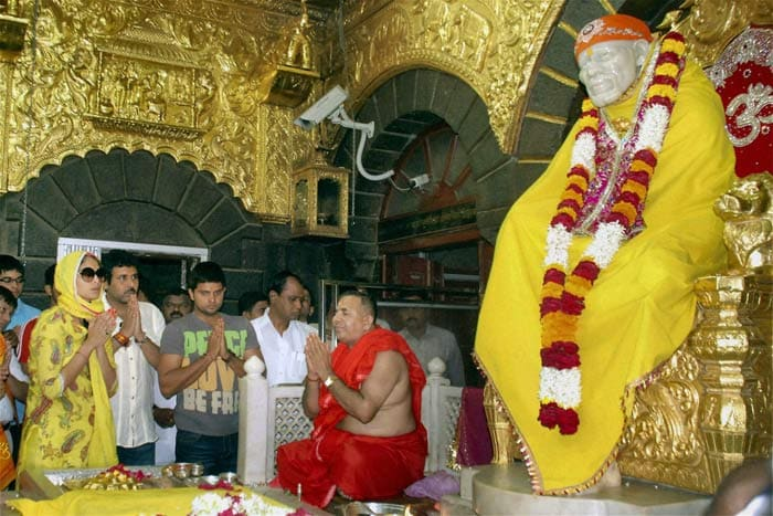 Before heading for the West Indies tour as the captain of the ODI side, Suresh Raina visited the Saibaba Temple in Shirdi along with Union Minister Praful Patel's daughter Poorna Patel to pay obeisance. He had visited the temple earlier after the World Cup win.