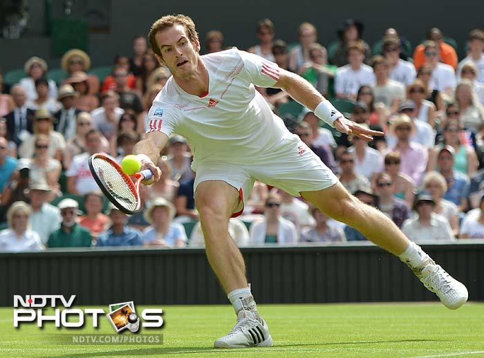 Andy Murray was pitted against Croatian giant Ivo Karlovic but it was Murray who stood tall in the end as he took the honours with a 7-5, 6-7, 6-2, 7-6 win.