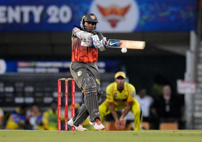 Parthiv Patel hit a quick 37 as Hyderabad began aggressively.