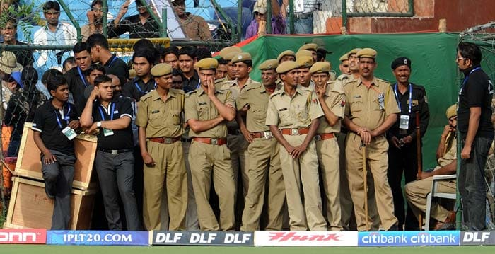 The crowd as well as the security personnel here remained glued to the match as it happened and once the Daredevils cut loose, it was clear that a close encounter was at hand. (AFP Photo)