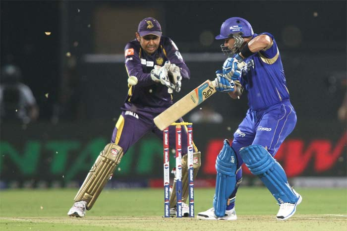 Brad Hodge came in late, after Kolkata bowlers managed to claim repeated wickets, and the Aussie scored a quickfire 46 off 31. (BCCI image)