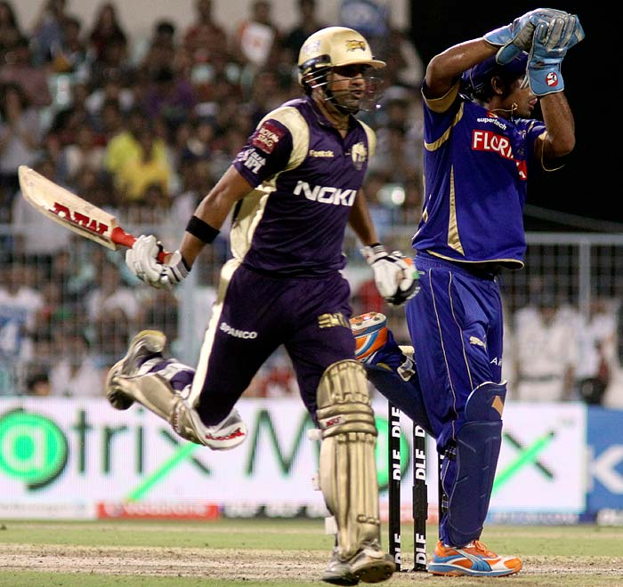 Skipper Gautam Gambhir came to the crease and anchored himself in to ensure that his side lost no further wickets and finished the match by going at the top of the standings. He was well supported by Manoj Tiwary.