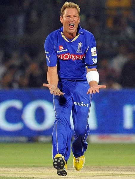 Warne had also removed Brad Hodge earlier while batting on 8 and he finished the match with 3 wickets in his kitty.
