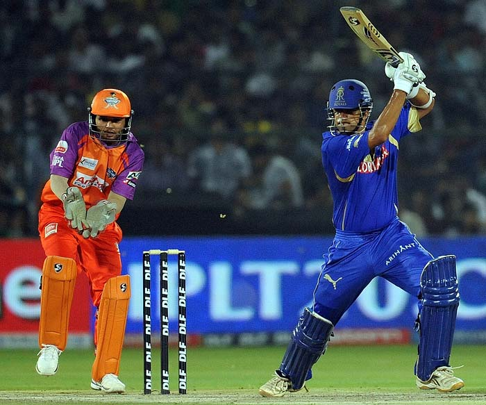 Dravid hit four boundaries and a six but was unlucky to miss out on his fifty when he was run-out on 44 by Kedar Jadhav.