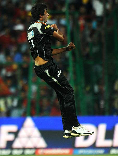 Sharma picked up his third when he dismissed a dangerous Ashok Menaria on 29 and threatened to stage a victory for the Warriors.