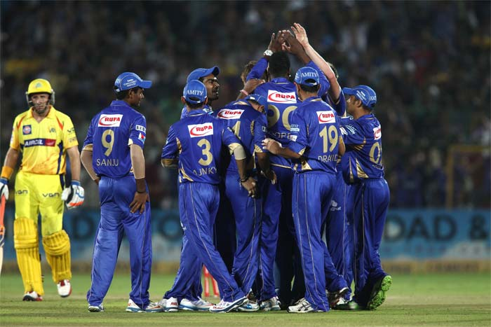 In reply to Rajasthan Royals' 159/8, Chennai Super Kings never had a good start. Mike Hussey and Murali Vijay were run out and then CSK lost too many batsmen in the middle overs.