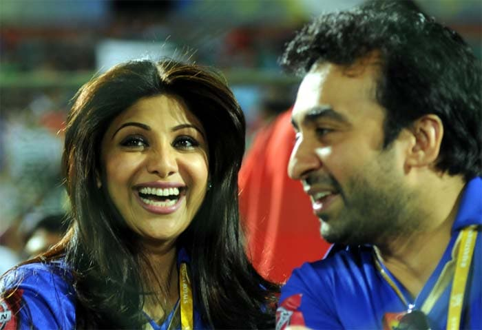 When Watson was going ballistic, Rajasthan owners Raj Kundra and Shilpa Shetty thought the match could end much quicker than expected. But that was not to be. (BCCI image)