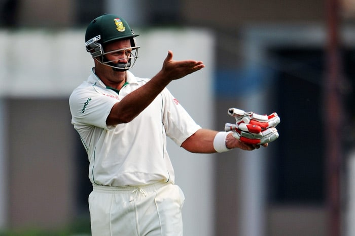 South African cricketer Jacques Kallis gestures towards the dressing room on the second day of the two-day warm-up match against Board President XI at Nagpur. The match ended in a draw with South Africa ending the second day with 354 runs on board. (AFP Photo)