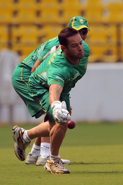 Mark Boucher stretches to take a catch during a practice session in Nagpur. (AFP Photo)