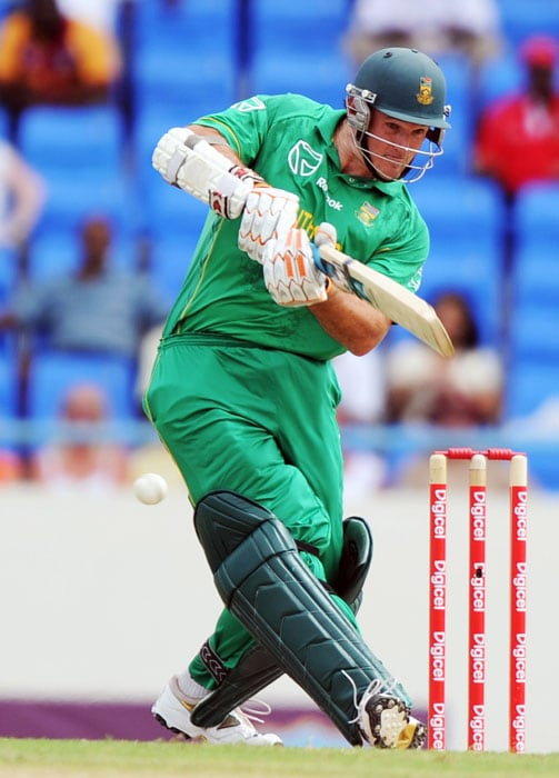 South African captain Graeme Smith hits the ball during the first innings.Smith made 37 runs. (AFP PHOTO)