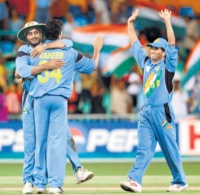 ".. Against Kenya in Kingsmead, Durban in the 2003 World Cup. (Photo: <a href=""http://www.mid-day.com//""> Mid-Day.com)</a>"