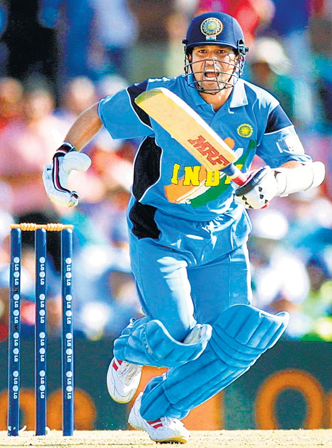 "... Against Pakistan in Centurion in the 2003 World Cup. (Photo: <a href=""http://www.mid-day.com//""> Mid-Day.com)</a>"