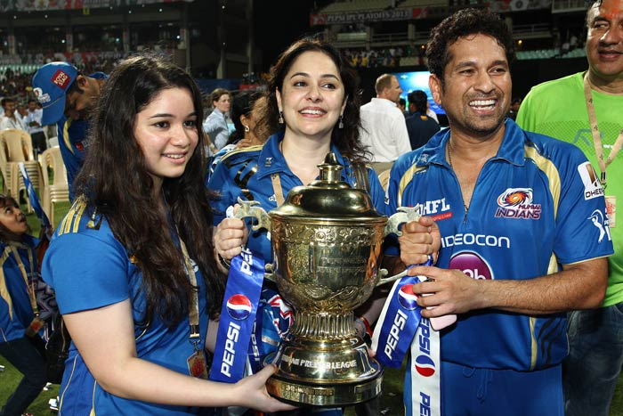 The proud Tendulkar family poses with the Indian Premier League trophy. (PTI image)