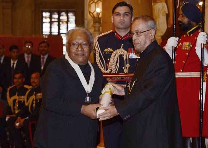 The other recipient of the award was Professor CNR Rao. Sachin congratulated him and said the scientist was an inspiration for the youth in the country.