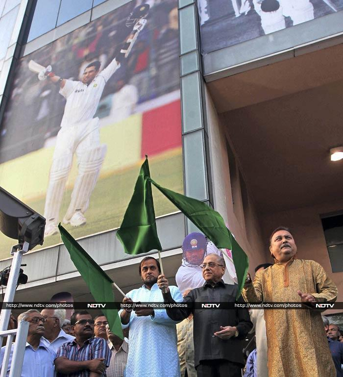 A tableaux showcasing highlights of Sachin's innings was also flagged off by Cricket Association of Bengal. It will make rounds of the city in honour of the batsman.