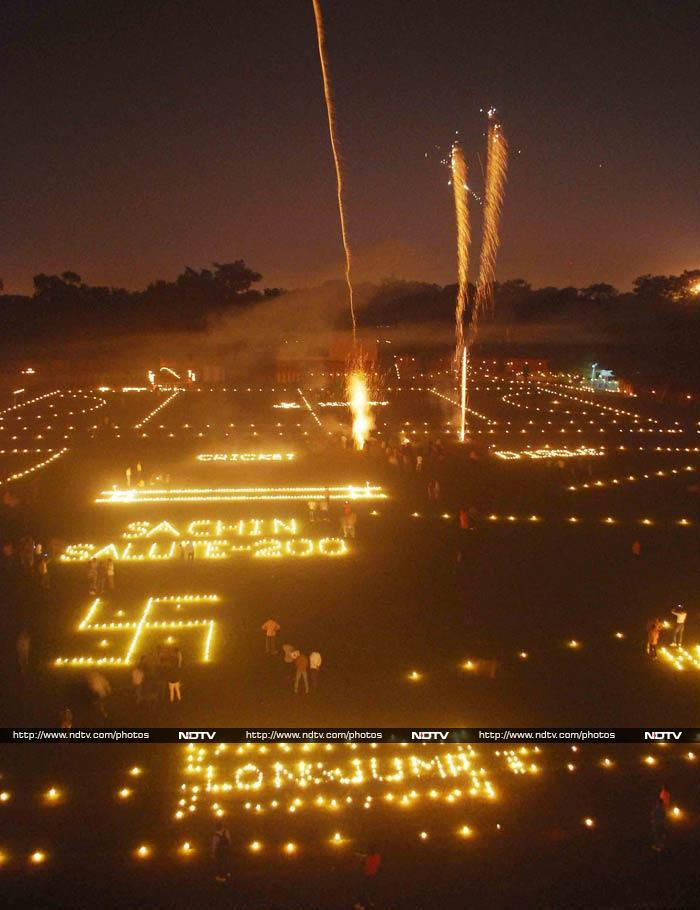 In Allahabad, this beautiful tribute was paid to the cricketer on the night of Diwali.