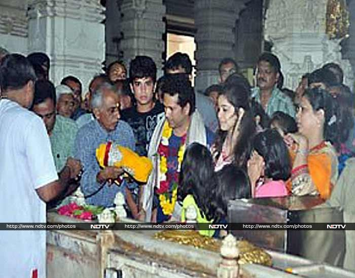 Sachin, along with his son Arjun and daughter Sara, prays at the famous Somnath Temple. The historic temple was refurbished and rebuilt in 1951 by Iron Man of India - Sardar Vallabhbhai Patel.