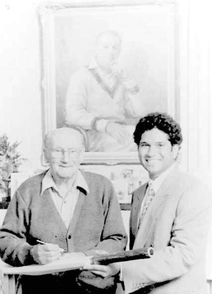 Sachin Tendulkar with arguably the greatest batsman ever to play - Don Bradman. Bradman admitted that Sachin played a lot like him. (Image credit - Mid-Day.com)
