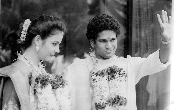 Sachin and Anjali Tendulkar during their wedding. (Image Credit Mid-day.com)