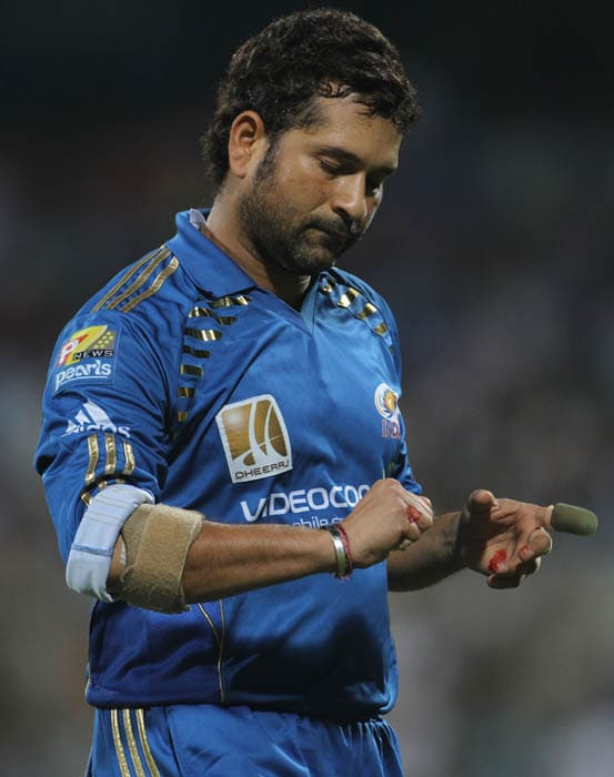 <b>Hurt but not Retired</b><br><br>Sachin after he got injured during the IPL Semi Finals. (Getty Images)