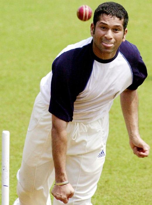 <b>Bowled us over</b><br><br>Sachin Tendulkar, the bowler. (AFP Photo)