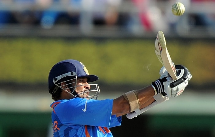 When on 70, Tendulkar offered a tough chance to Pakistan wicket-keeper Kamran Akmal, but was lucky to escape as Kamran wasn't quick enough to move to his right to snap the catch. (Getty Images)