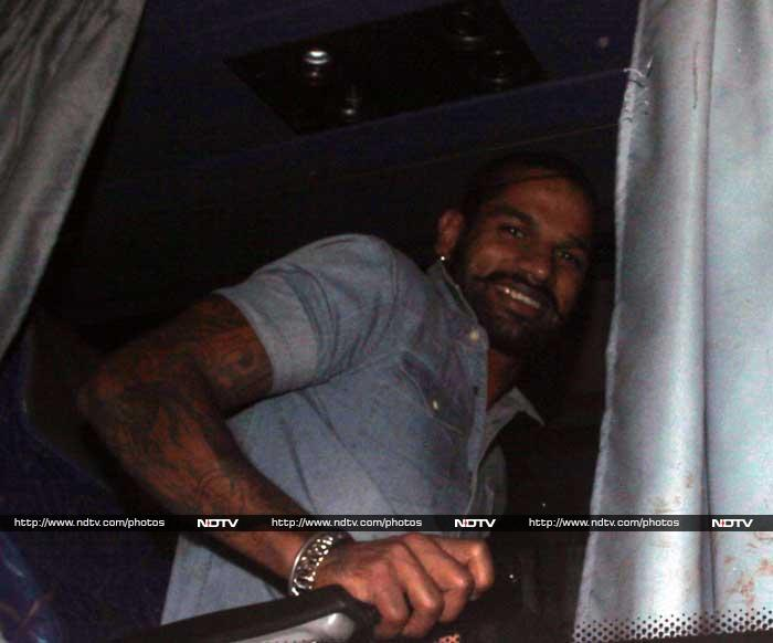 Shikhar Dhawan, with tattooed arms, seems in extremely good spirits as he arrives to Sachin's farewell bash. © Photo: Santosh Nagwekar