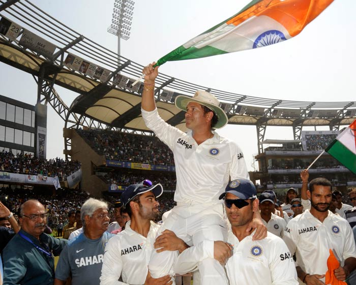 The team players later took turns to hoist the legend on their shoulders as Tendulkar waved to Wankhede fans.