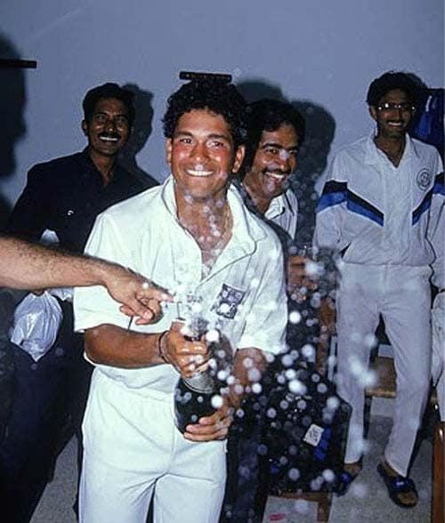<b>April 24, 1989 - April 24 1993:</b><br><br> 25 Tests - 1522 runs, Highest - 165, 5 centuries<br> On November 27, 1992, playing against South Africa in Johannesburg, Tendulkar hits his 4th century and en route crosses 1000 runs in Test cricket in his 19th match. His average climbs to nearly 45 in the year. <br><br> 56 ODIs - 1520 runs, Highest - 84, Wickets-13<br> Not a very successful year for him in one-day cricket. He makes only 343 runs in 17 ODIs which includes just 1 half-century and his highest score remains 84 from the year.