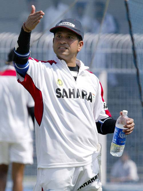 <b>April 24, 1989-April 24, 2006: </b><br><br> 132 Tests - 10469 runs, Highest - 248*, 35 centuries<br> Yet again, 9 Tests and only 335 runs. There is still hardly ever been a year that Tendulkar hasn't achieved something and given his fans a reason to smile. The silver lining this year is his 109 against Sri Lanka on December 10, 2005 at Delhi. The knock, his 35th hundred sees him surpass Gavaskar to become the record-holder for the most Test centuries. <br><br> 362 ODIs - 14146 runs, Highest - 186*, 39 centuries, Wickets - 142<br> Sets a new world record by completing 14,000 one-day runs en route to his 39th century in against Pakistan in Peshawar on February 6, 2006.