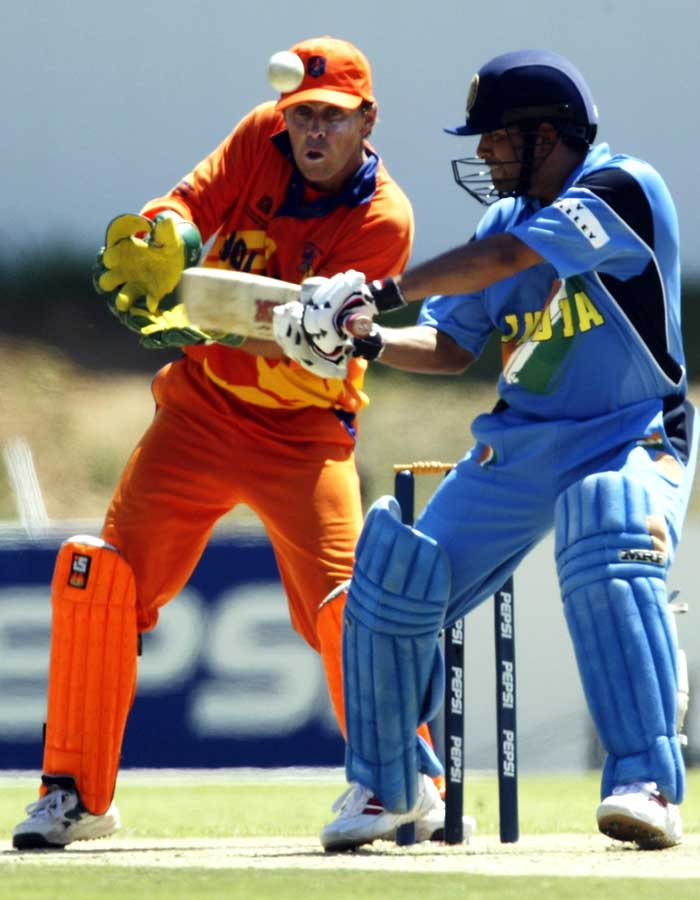India faced the Netherlands in their first match of the 2003 World Cup and Sachin made sure he started the campaign on a good note. While the Indian batting struggled against the Dutch bowlers, Sachin's knock of 52 runs took India's total past 200 runs. India, eventually, won the match.