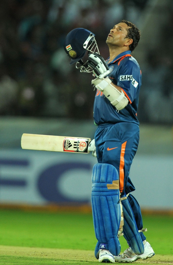 <b>Year 2009, 86th Century:</b> On September 14, 2009, Sachin wisely held the Indian innings together and scored 138 runs against the Lankans, at the Premadasa stadium in Colombo to lead India to victory. (AFP Photo)