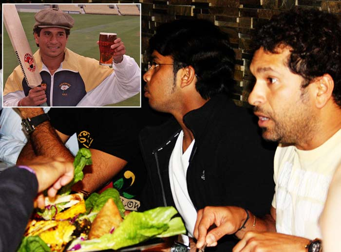 The swashbuckling batsman can toss in his favourite ingredients to cococt a scrumtious meal as well. Tendulkar can cook <i>baingan bhartha</i> but he likes cooking sea-food particularly fried fish. Sachin does not shy away from admitting the fact that he nibbles some of his home cooked delicacies while he is still preparing them! The Master Blaster sometimes makes tea for guests.