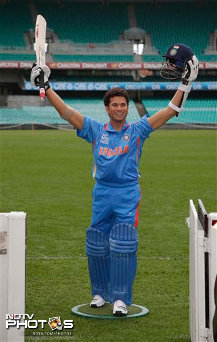 Sachin Tendulkar made an unscheduled appearance at the SCG on Saturday. A wax statue of him was unveiled in front of hordes of fans.