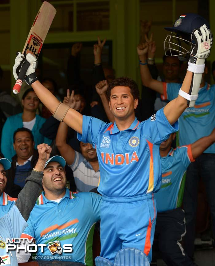 The fans sang, cheered and posed with the waxed statue of Sachin Tendulkar.