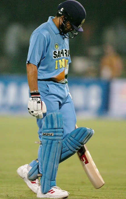 In 2006, Sachin undertook another surgery, this time on his right shoulder. However, he made a stunning comeback scoring 141 off 148 balls against West Indies in a DLF Cup ODI in Kuala Lumpur. It is interesting to note that Tendulkar was dismissed seven times in 2007 between 90 and 100, including three times at 99, leading some to suggest that he struggles to cope with nerves in this phase of his career. Till date, Tendulkar has got out 23 times between 90 and 100 in his international career.