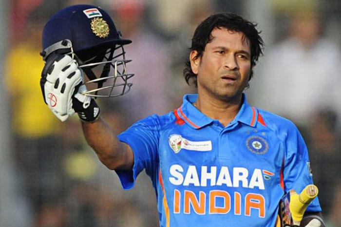 With the Master Blaster calling it quits from ODIS, celebs and sportspersons have come on twitter to pay tribute to the legend. A look at what the Who's who have to say about him.