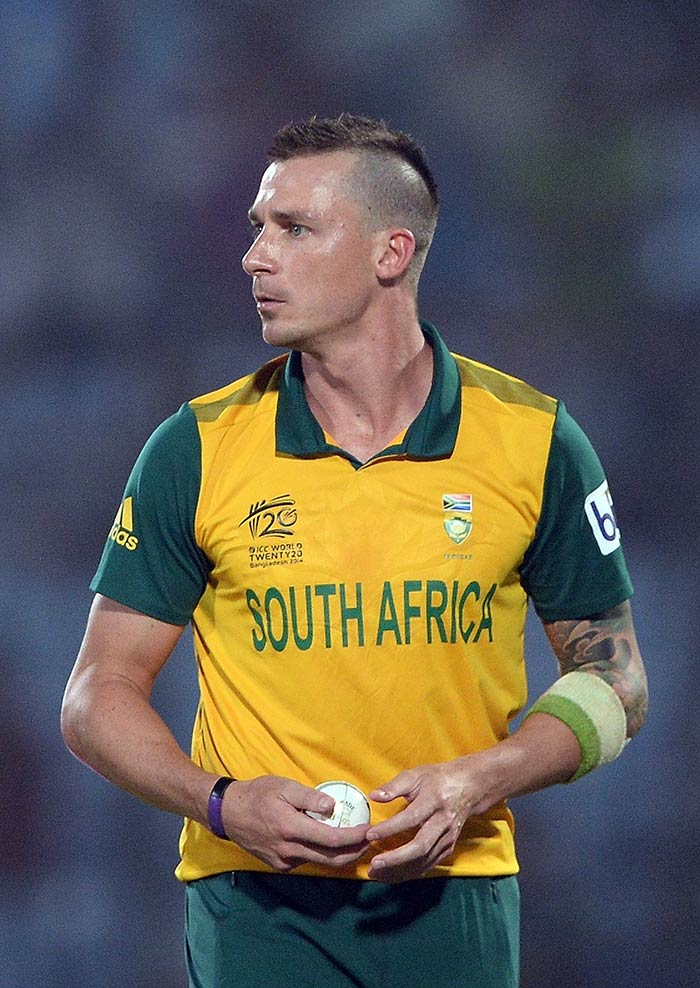 Ravi Bopara's defiance was brought to an end by Dale Steyn.
