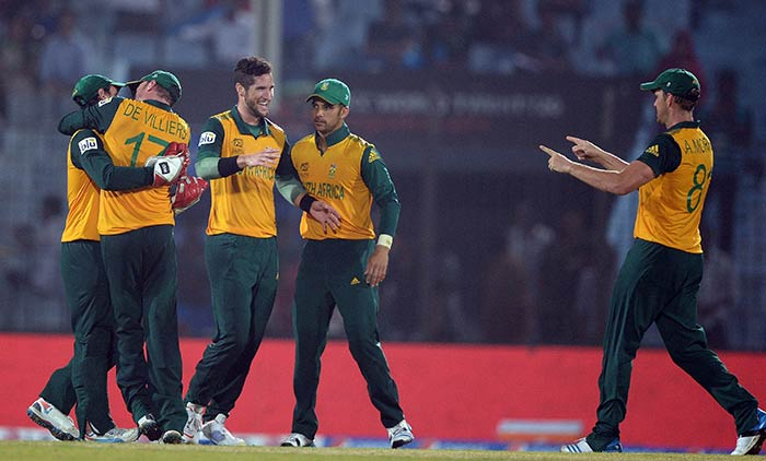 In the end, South Africa beat England by 3 runs to seal a semifinal spot.