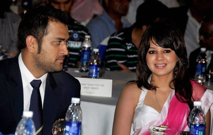 Mahi can't seem to take his eyes off his lady.