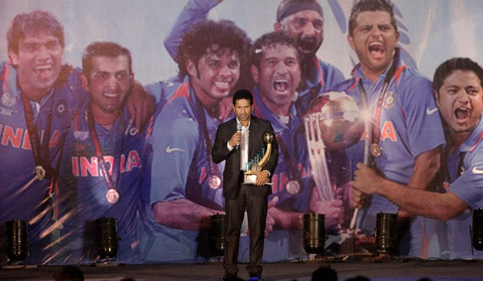 Sachin Tendulkar, who received the Polly Umrigar Award for being India's best cricketer of 2009-10, takes to the stage to say a few words.