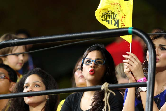 Possibly, this is the first time Sakshi Dhoni was seen wearing a pair of glasses. Although it isn't clear if they were for better vision or to protect her eyes from the stadium lights, the glasses did seem to suit her style.