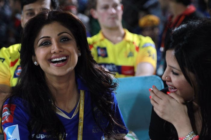Bollywood actress Shilpa Shetty and Sakshi Dhoni make a very pretty picture together.<br><br> While Shilpa is the owner of the Rajasthan Royals, Sakshi - for the few who don't know! - is married to Chennai Super Kings skipper MSD.<BR><BR> And while the two teams were battling each other on the field, these two ladies let competition remain in the playing arena and enjoyed their time at the Sawai Man Singh Stadium in Jaipur. (BCCI image)
