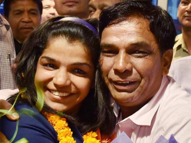 Sakshi Malik Receives Grand Welcome On Return From Rio
