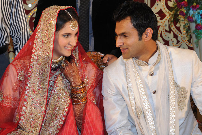 Sania and Shoaib reportedly fell in love towards the end of Year 2009 and it could have been the reason for the breaking up of Sania's engagement with Sohrab.
